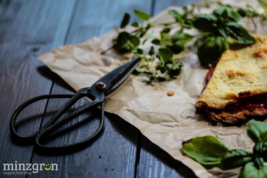 Margherita-Pizzaecken aus Blumenkohlteig