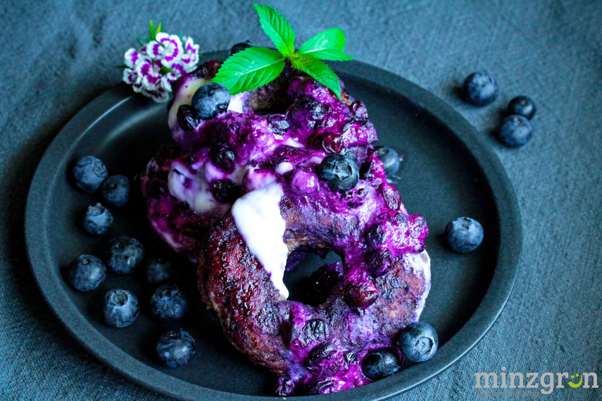 zuckerfreie Blaubeer Donuts